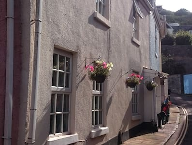 Charming Beachside Cottage - Shaldon - House