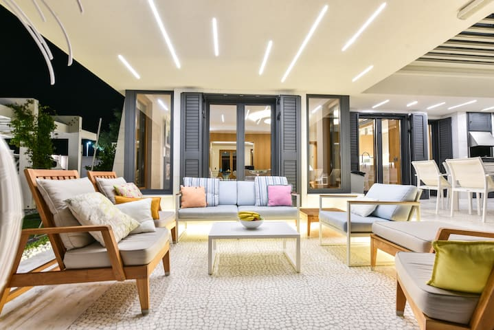Premium Luxury Villa, Velika Plaza, Montenegro.