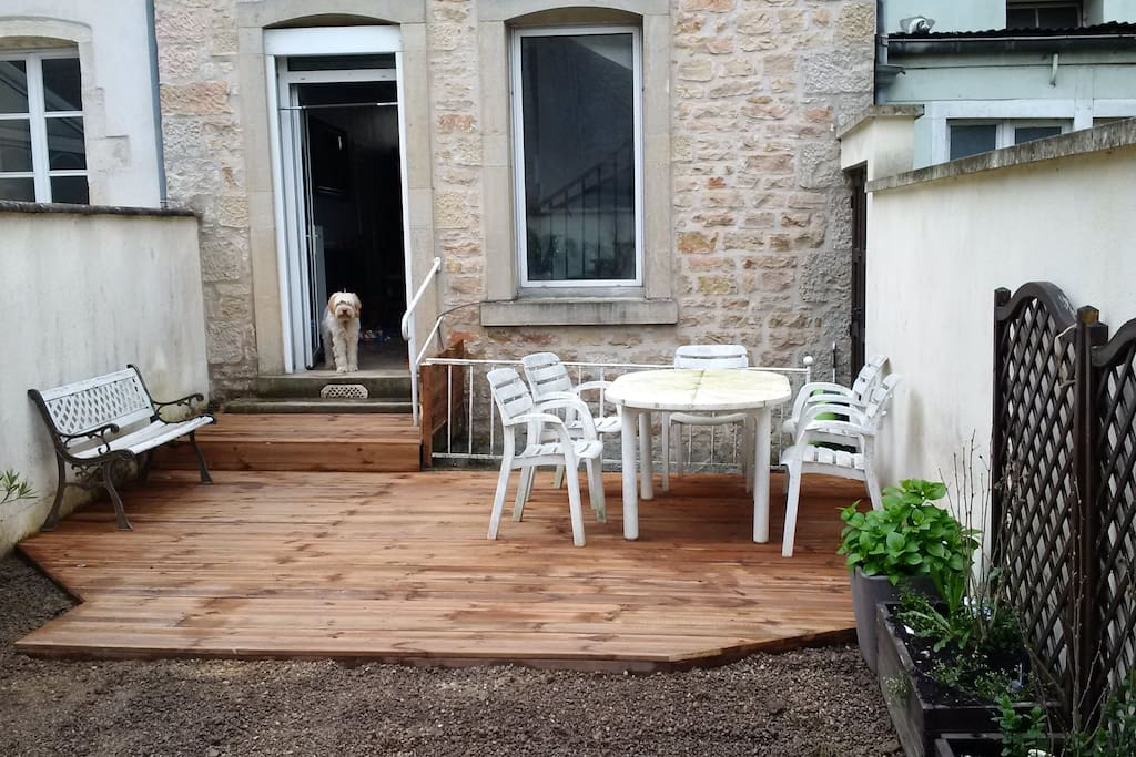 Possibilité de profiter de notre terrasse.