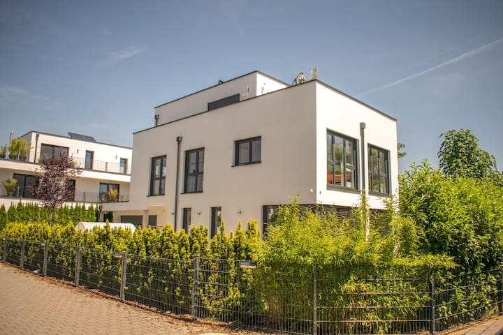familiy friendly modern Villa in suburbs of Munich