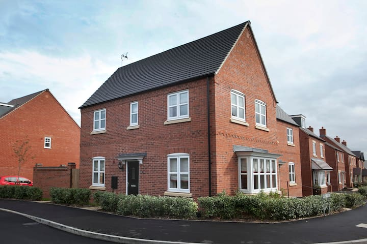 The Mews Serviced Apartment, Castle Donington