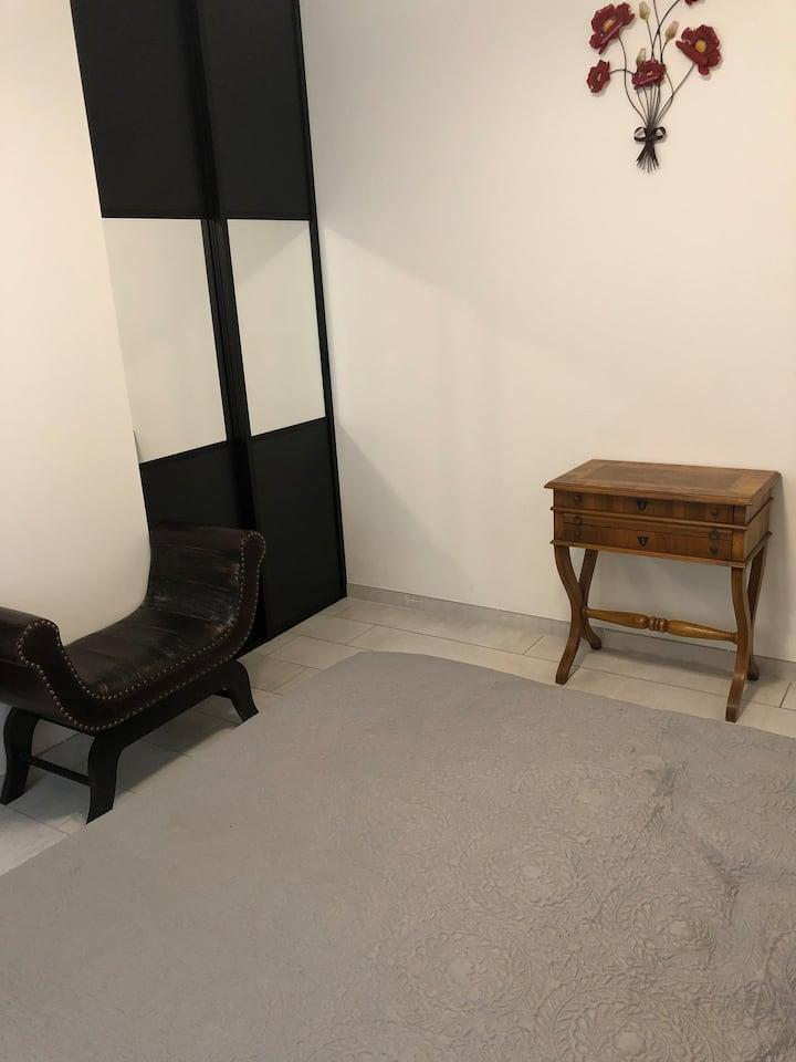 Chambre à louer dans village médiéval avec spa