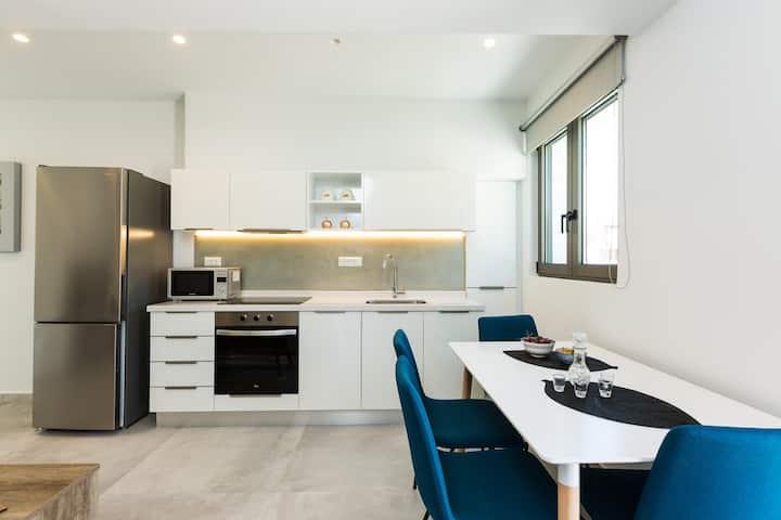 Naiades Apartment-Minthi/ 1 bedroom, beachfront