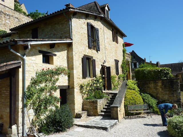 South facing apartment with wonderful terrace - Castelnaud-la-Chapelle - Apartament