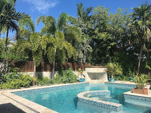 Forever Gem in Key West with Swimming Pool