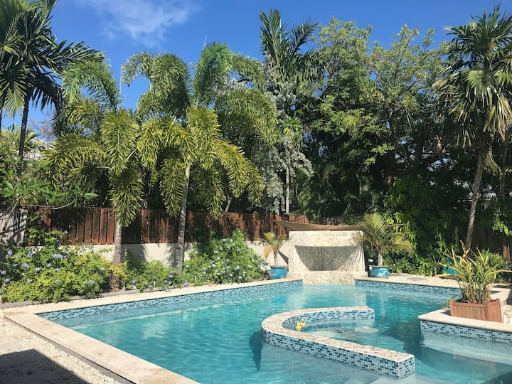 Forever Gem in Key West with outdoor Swimming Pool
