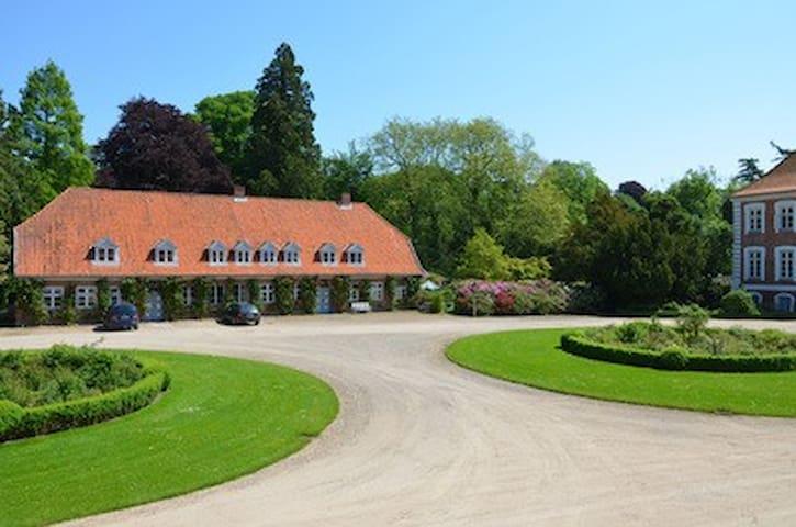 Kavalierhaus in Güldenstein für bis zu 14 Personen - Harmsdorf - Talo