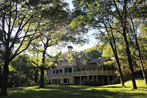 Peaceful Wooded Getaway-COVID Vaccination REQUIRED