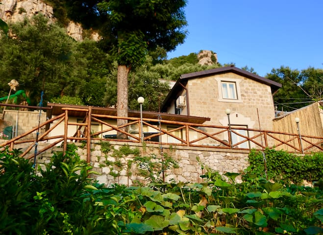 Traulivi, villa with stunning seaview