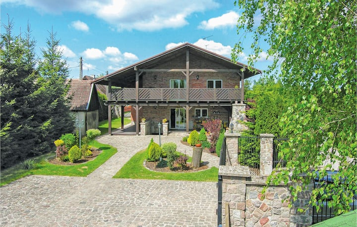 Beautiful home in Ostróda with 4 Bedrooms