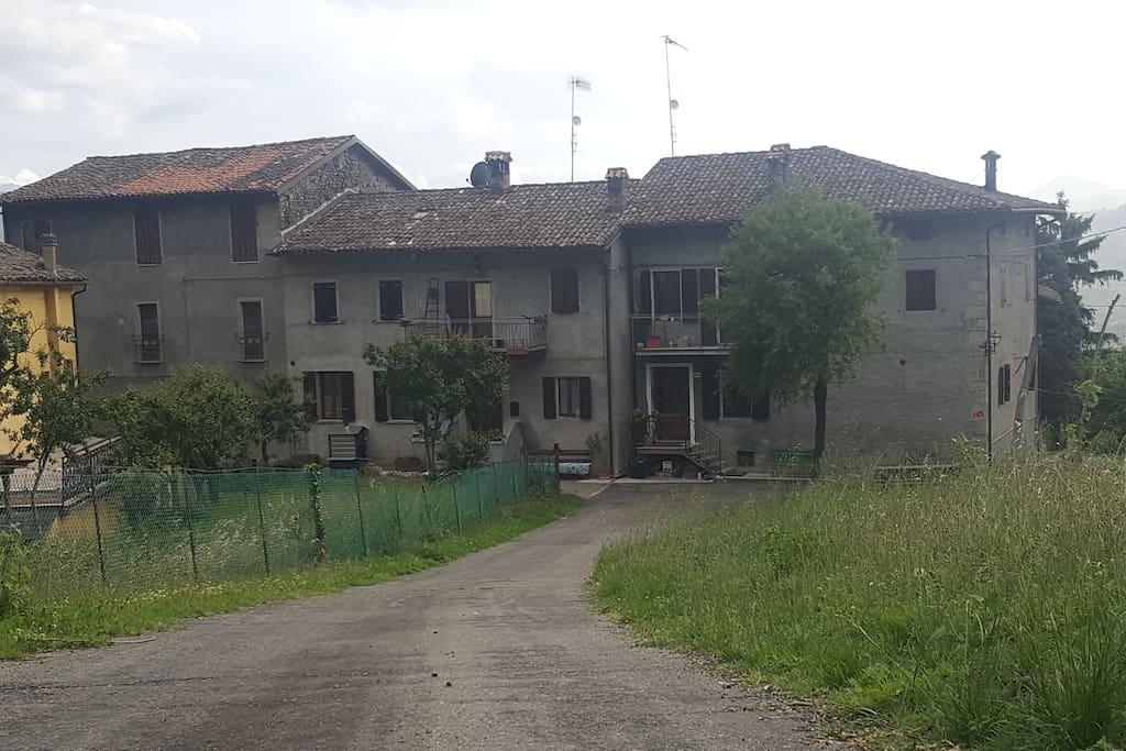 vista della casa da fuori