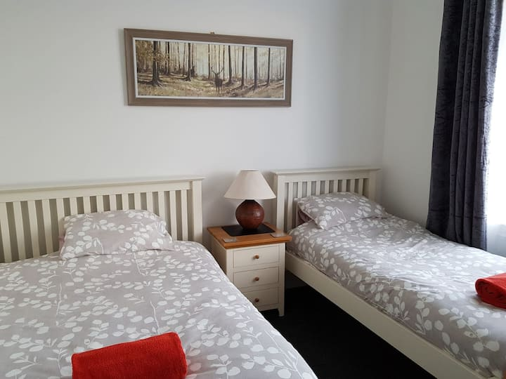Bellyeoman B&B- Dunfermline - Room 1