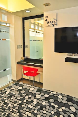 1-Bedroom Spacious Condominium at Grass Residences - Quezon City - Kondominium