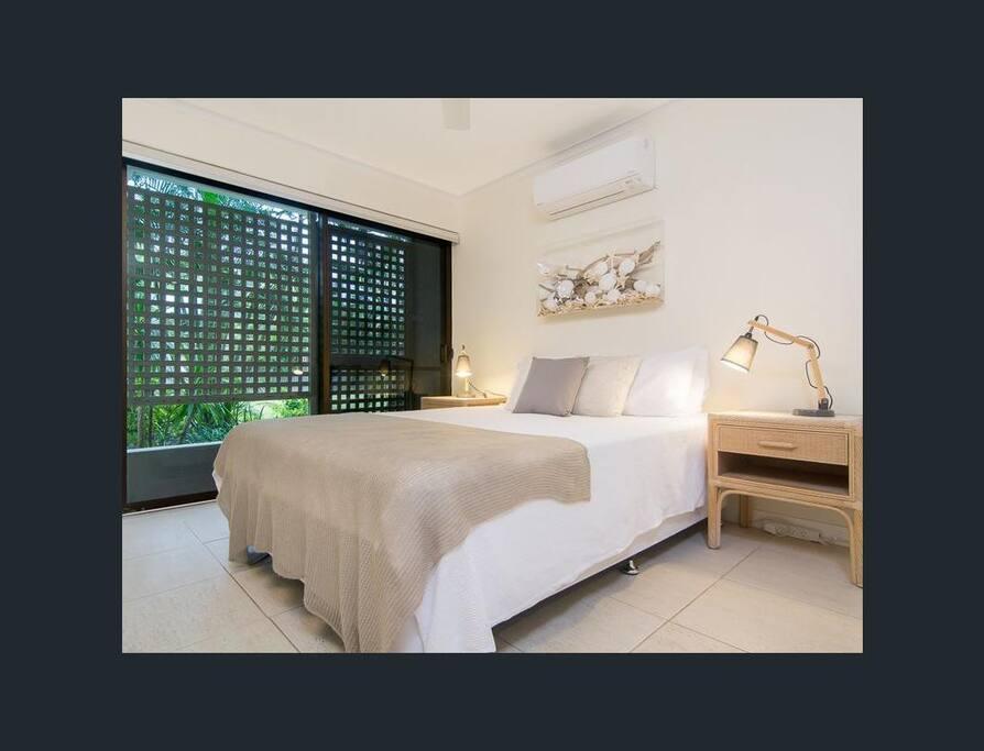 Master Bedroom- Queen Bedroom