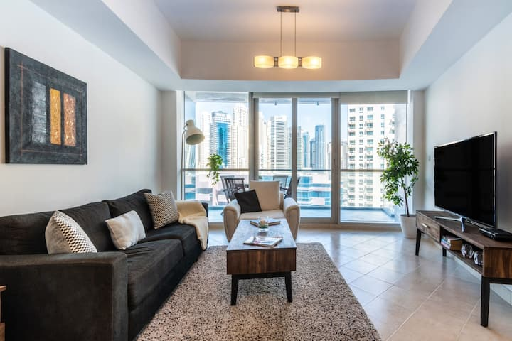 Modern 1BR with Spectacular Marina views!