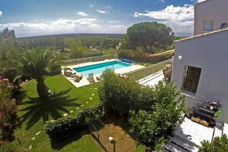 Chambre avec terrasse vue Mer - Portiragnes - 別荘