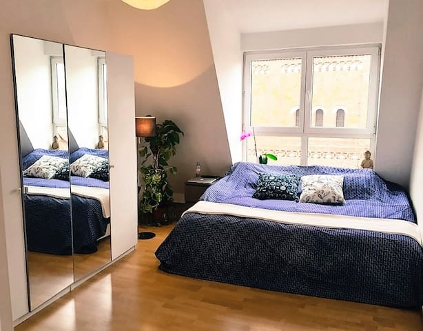 Rooftop room with own bathroom - Berlin