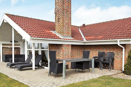Modern Holiday Home in Hemmet Denmark with Spa