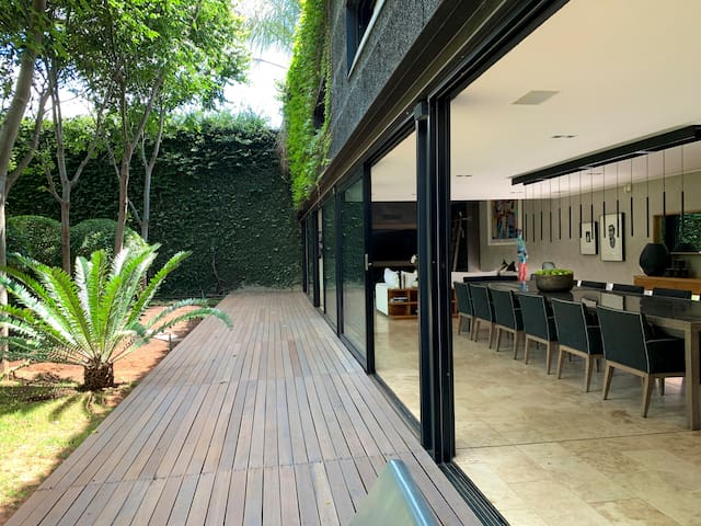 Urban Zen - The Perfect Business & Leisure Utopia