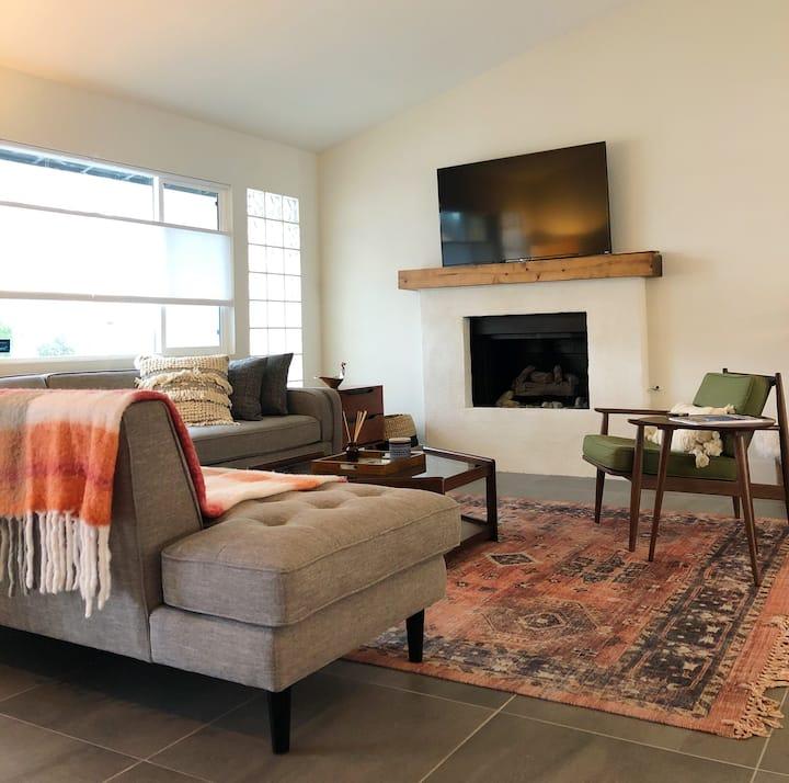 NEW Palm Springs Spacious 4 Bed/3 Bath Awaits!