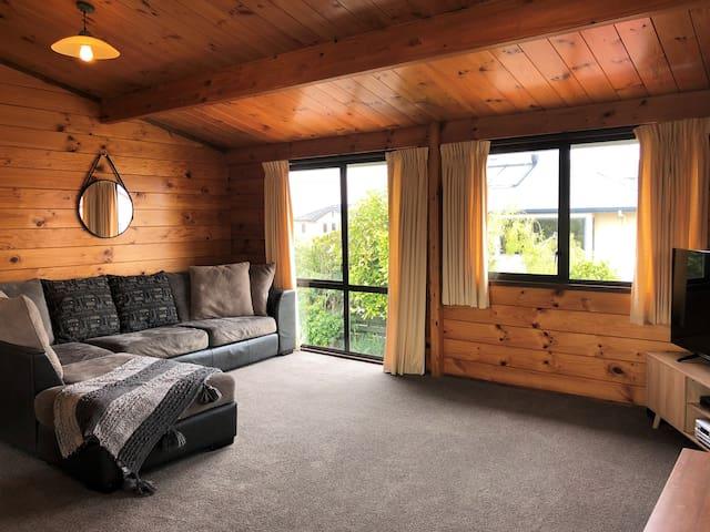 Location, Views & BBQ's - Lake Taupo