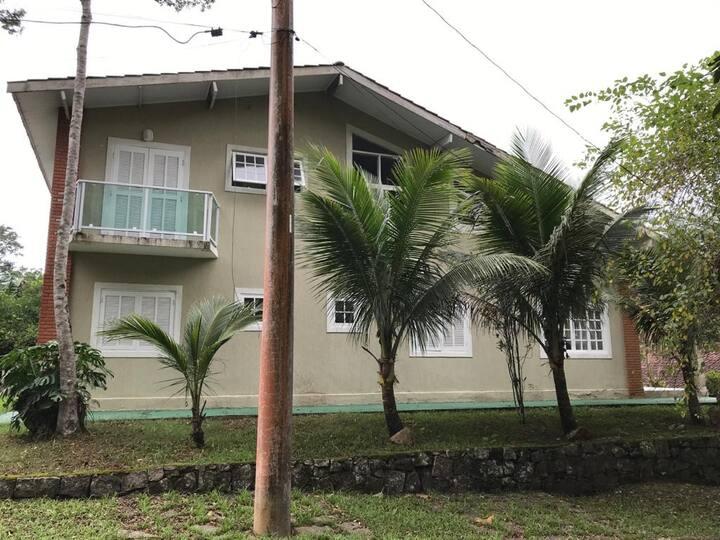 Bela Casa em Condomínio - Praia de Massaguaçu