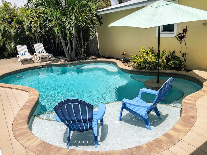 Coconut Cottage #3 - Perfect island getaway for families! 2 bedroom condo w/pool, close to the beach!
