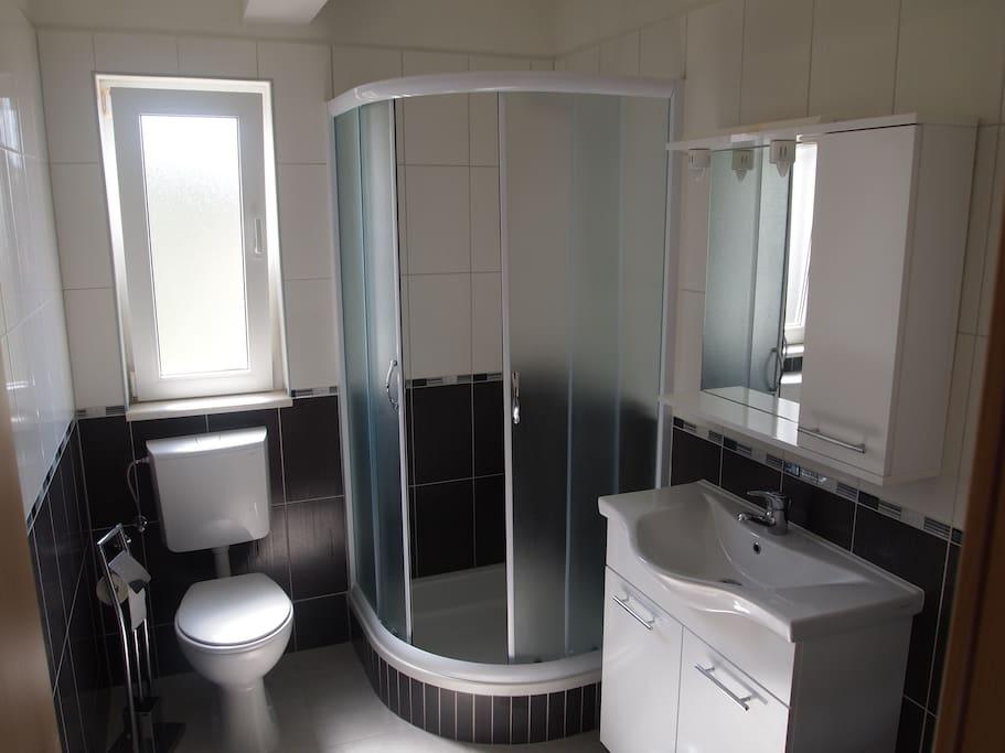 Apartman 1, WC