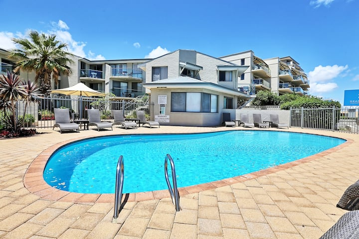 Scarborough Beach Front Resort - Shell Seven