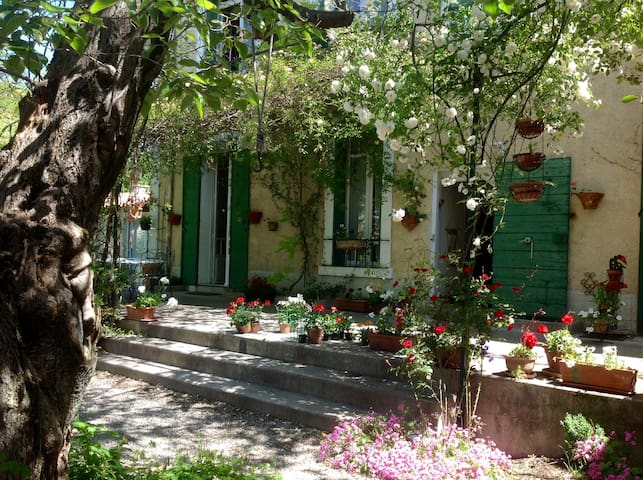 Chambre Lavande : Hébergement en chambres d'hôtes - Manosque - Bed & Breakfast