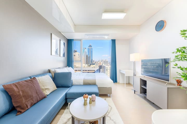 #5Clean & cozy room right next to Gangnam Station