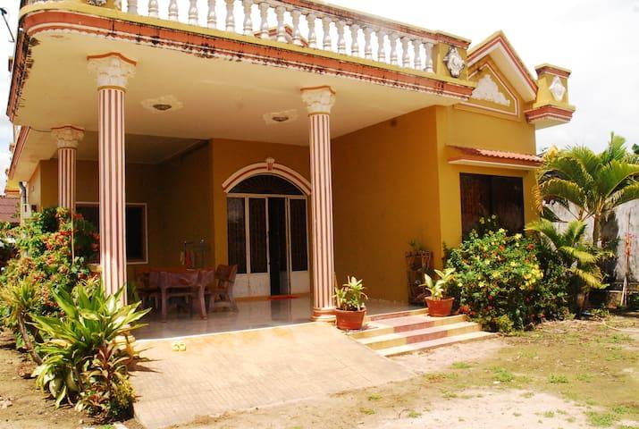 Om Sweet Home (Manduk Room)