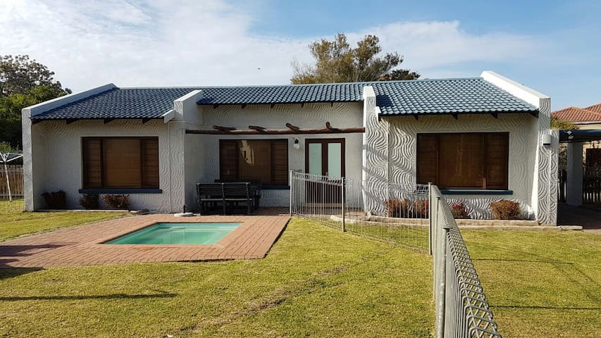 Sedgefield Home close to Wild Oats market