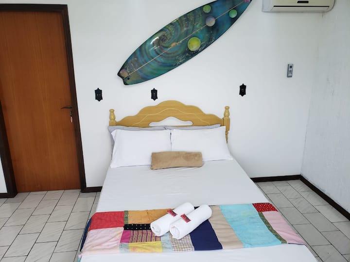 Quarto Surf Casal Apenas 1km do Beto Carrero Penha