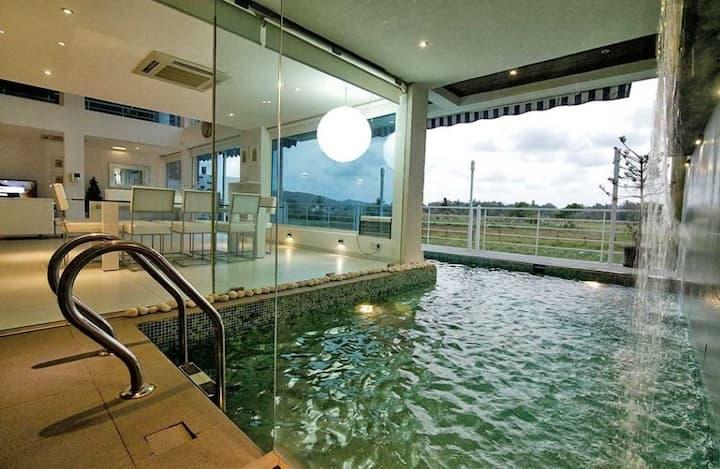 Blue and White Pool Villa Umami