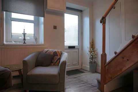 The cottage is newly decorated, ideal for getaways