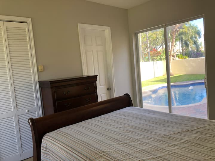 Beautiful, Private Florida Guest Suite w/ Pool