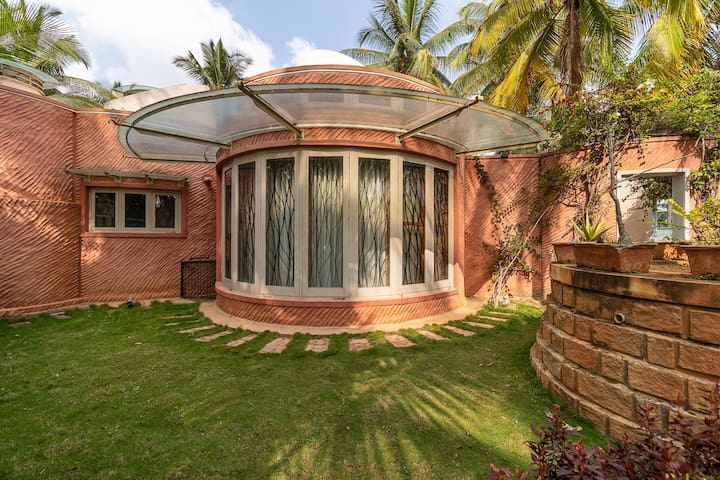 luxurious villa near Bangalore airport.