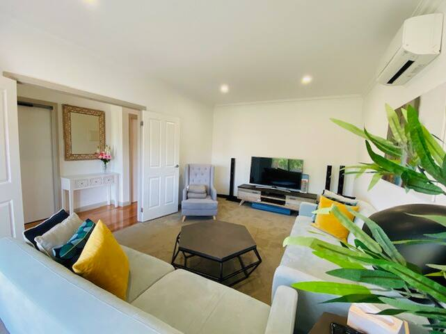 Nunawading Guesthouse .....Welcomes YOU..!!