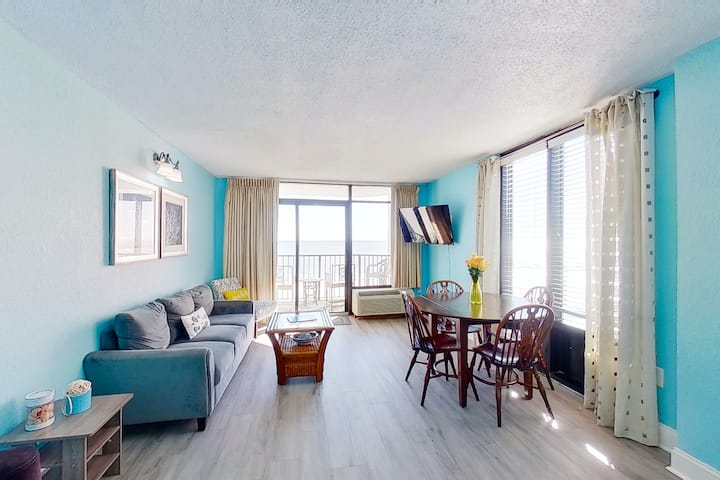 Fifth Floor Ocean View Snowbird Friendly Condo w/ Shared Pool/Hot Tub, WiFi