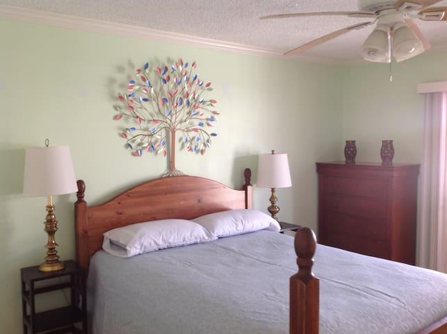 Cozy, comfortable Boyle Heights House