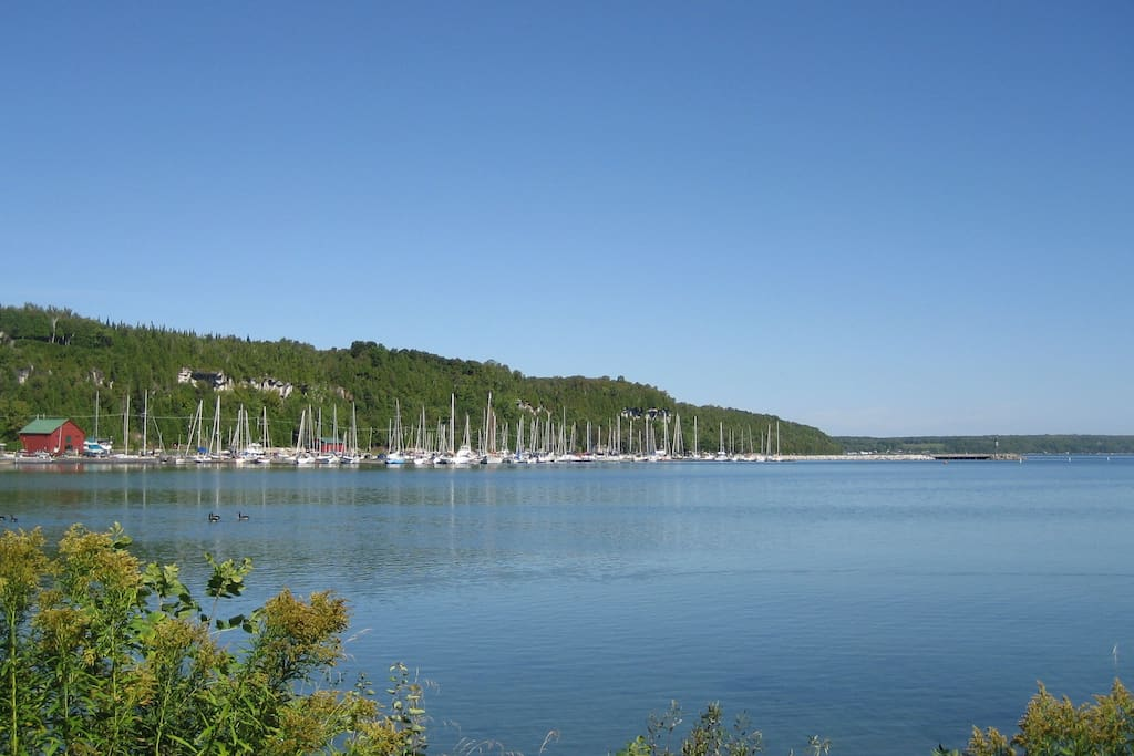 Approx 5 mins from Wiarton, Tim Hortons, Grocery Store, Local Shopping and Scenic Views