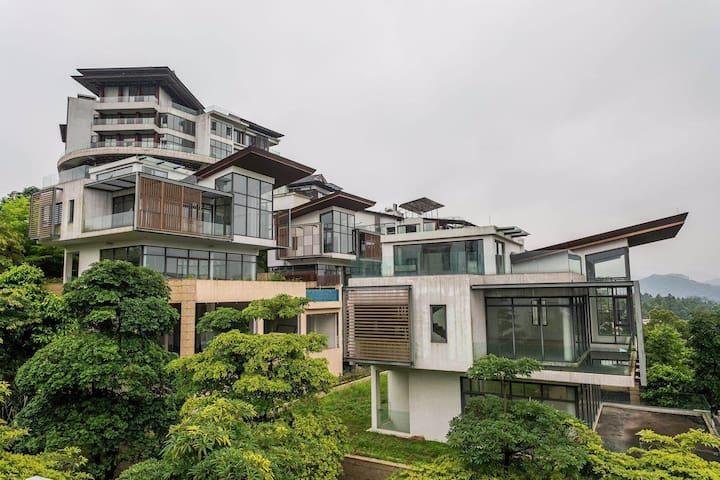 白云区颐和山庄2亿豪华高端5层别墅、主打高端、带室外无边泳池、室内私密泳池、旅游度假、待客倍有面