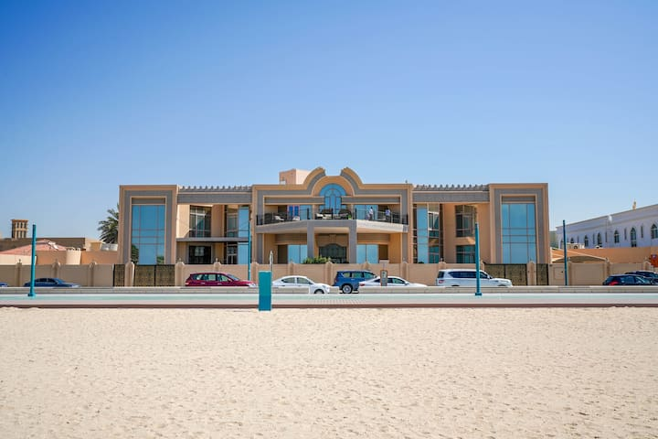 Lavish 7 Bedrooms villa on Kite Beach