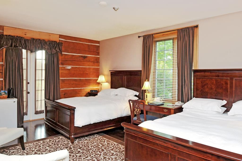 One of the suites, featuring 2 queen beds.