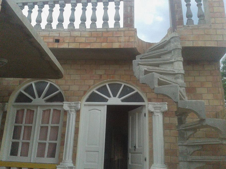 Acceso a terraza del tercer nivel