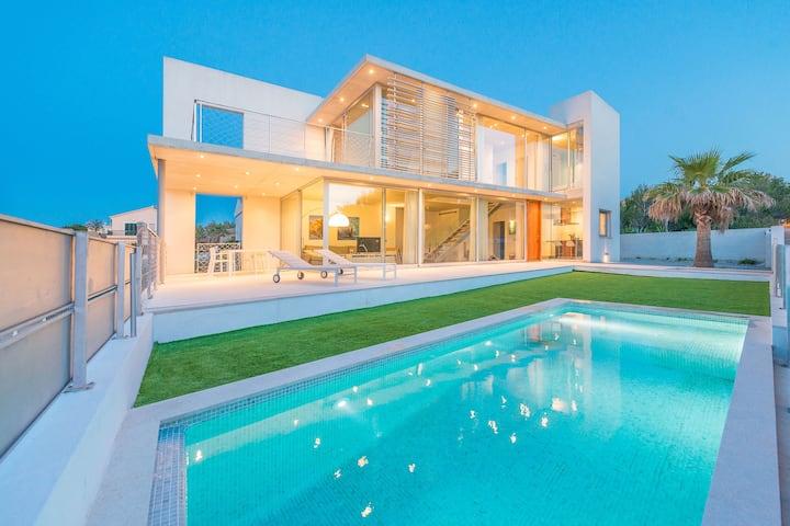 CASA DE VIDRE - Villa with sea views in Son Serra de Marina. Free WiFi
