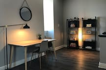 Newly renovated top floor unit! Close to downtown!