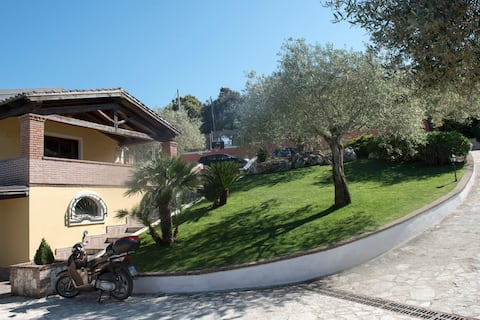 La nostra casa in collina  (Our house on the hill)