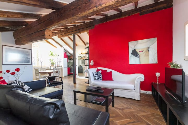 Cool modern attic in the centre - Bologna - Appartamento